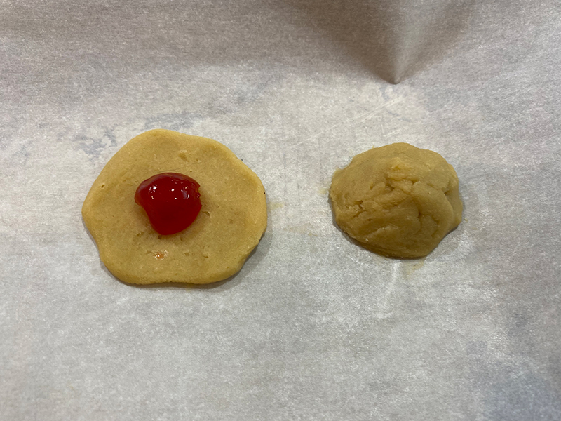 cherry-flip-cookies-business-moose-jaw-cookie-cherry-middle-finish